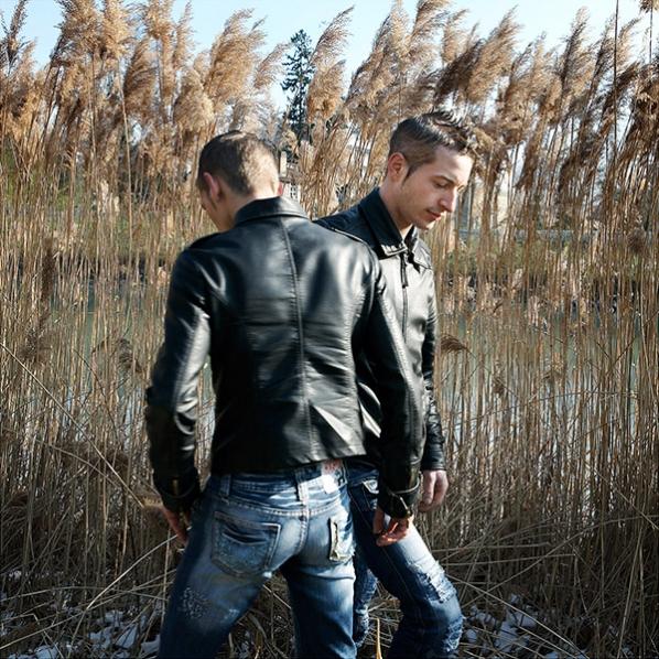 http://www.robertavalerio.com/files/gimgs/th-5_021_14_07_Julien et Pierre.jpg